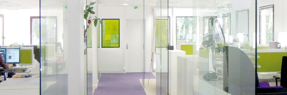 cloisons amovibles am nagement de bureau sur mesure. Black Bedroom Furniture Sets. Home Design Ideas