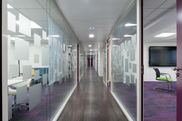 Des bureaux lumineux et fonctionnels